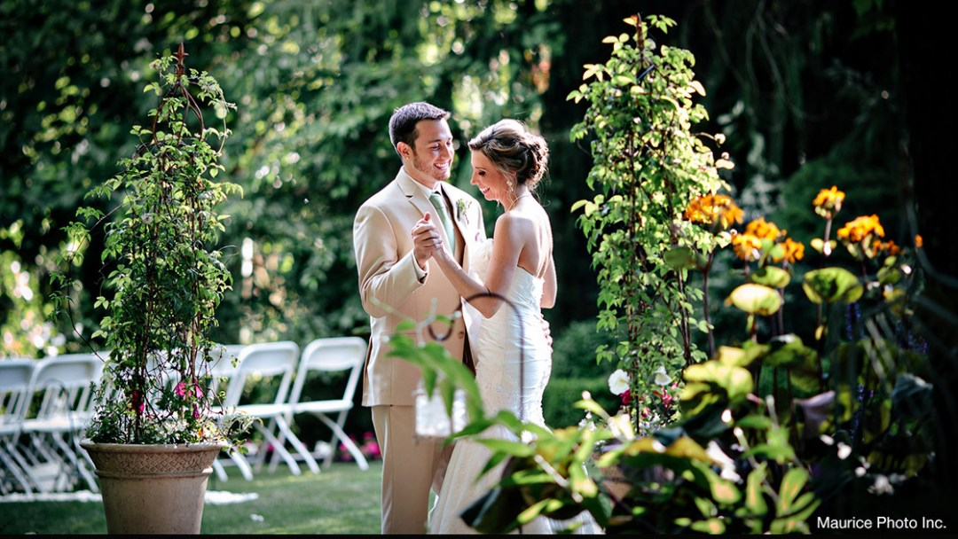 Photo of a bride and groom at their wedding at Jardin Del Sol in Snohomish