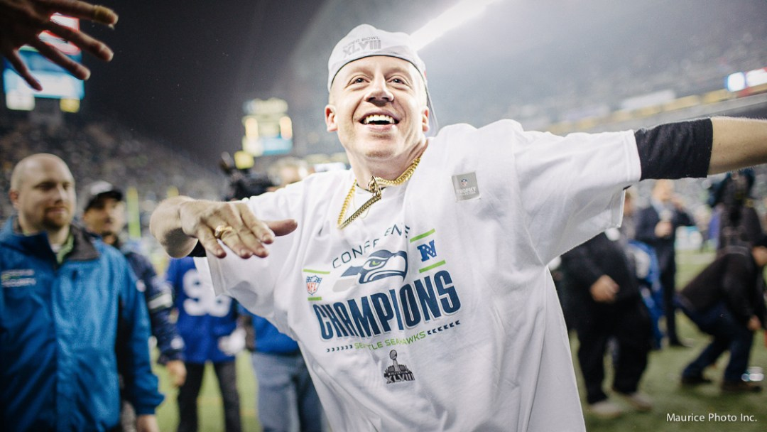 Macklemore honorary Seahawk