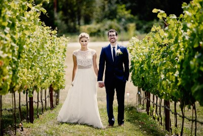 Wedding pictures at Dancing Fish Vineyards on Whidbey Island