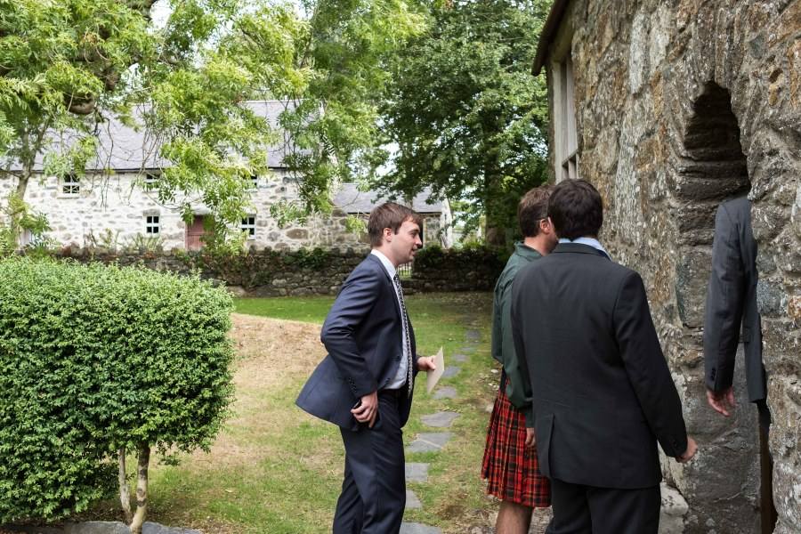 Guests arriving at Penarth Fawr, before the wedding ceremony