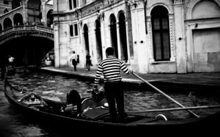 Gondola B&W