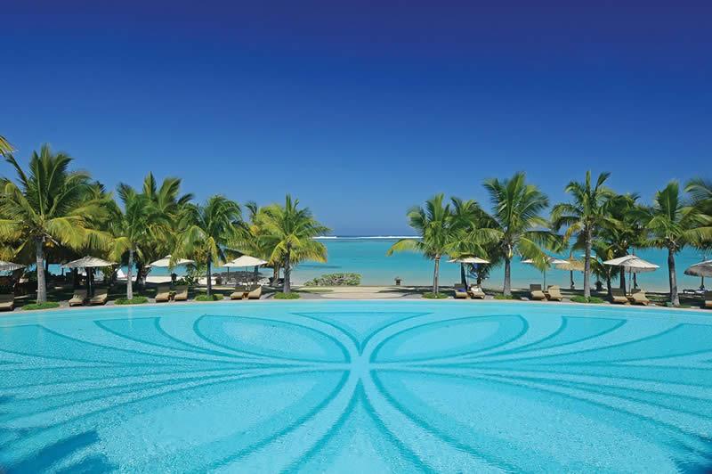 Paradis swimming pool and beach