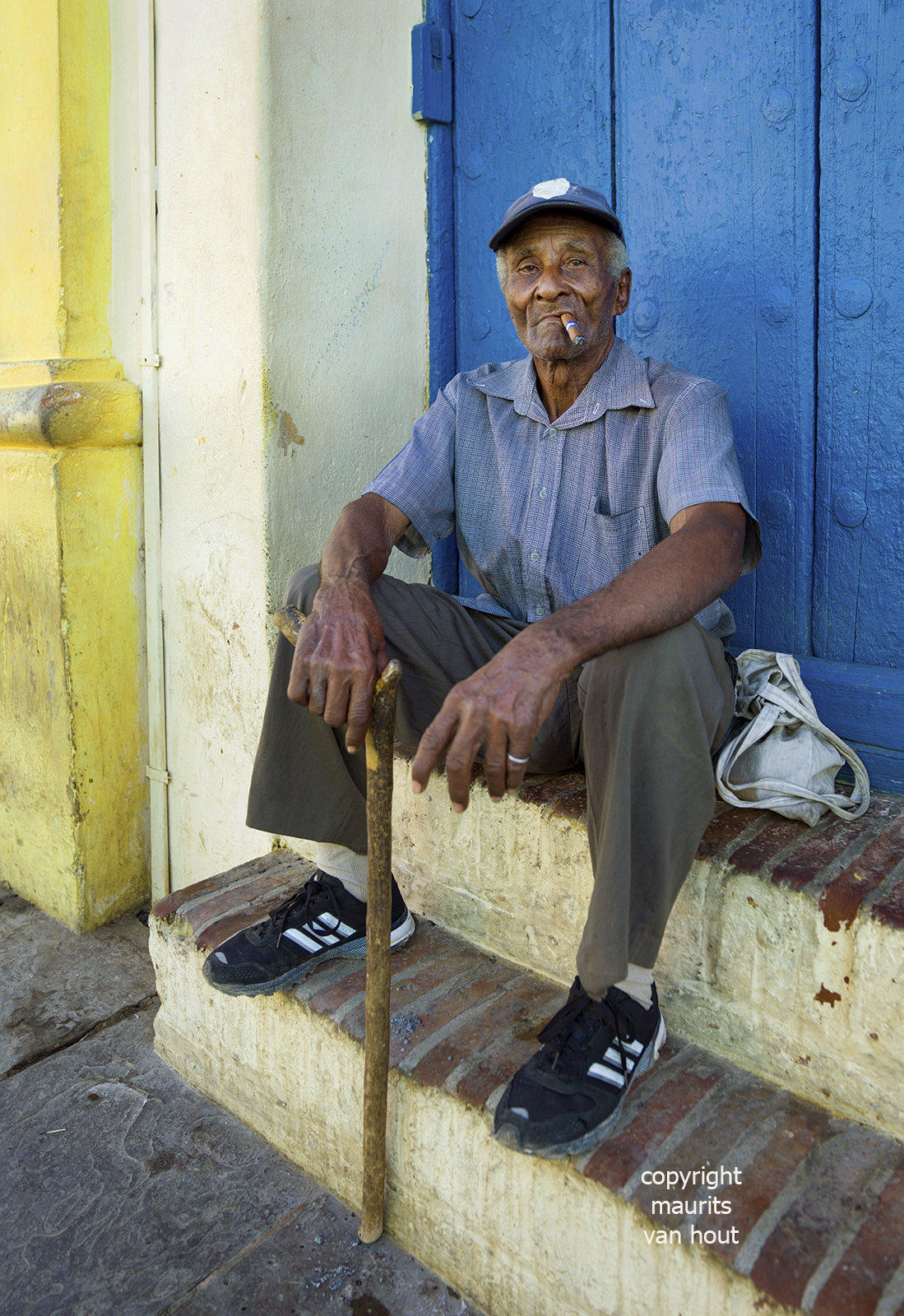 portrait of a man, Trinidad Cuba, by Dutch photographer Maurits van Hout