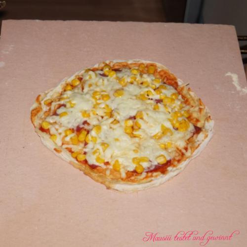 Pizza auf Pizzastein Pizzastein24.de