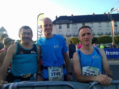 Nos 3 marathoniens avant le départ du MARATHON de TOURS