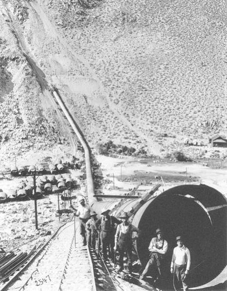 468px-LA_Aqueduct_Pipe