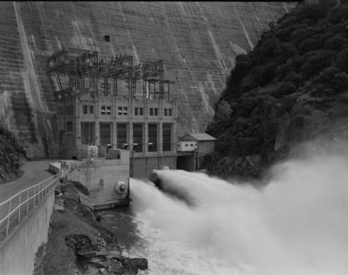 POWER_HOUSE_AT_BASE_OF_DAM,_LOOKING_NORTHEAST_-_Pardee_Dam,_Powerhouse,_Mokulumne_River,_Valley_Springs,_Calaveras_County,_CA_HAER_CAL,5-VASPG.V,1A-1.tif
