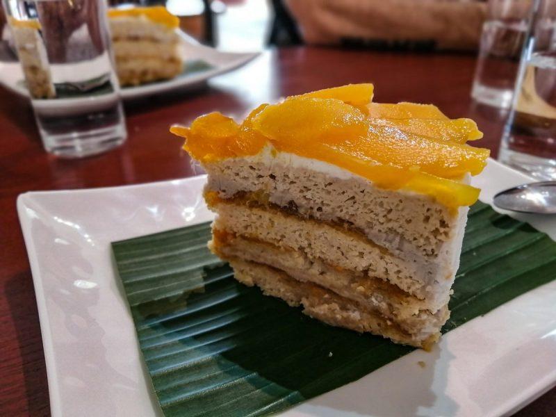 Gâteau vegan a la crème et la mangue. Horizon Café Samui.