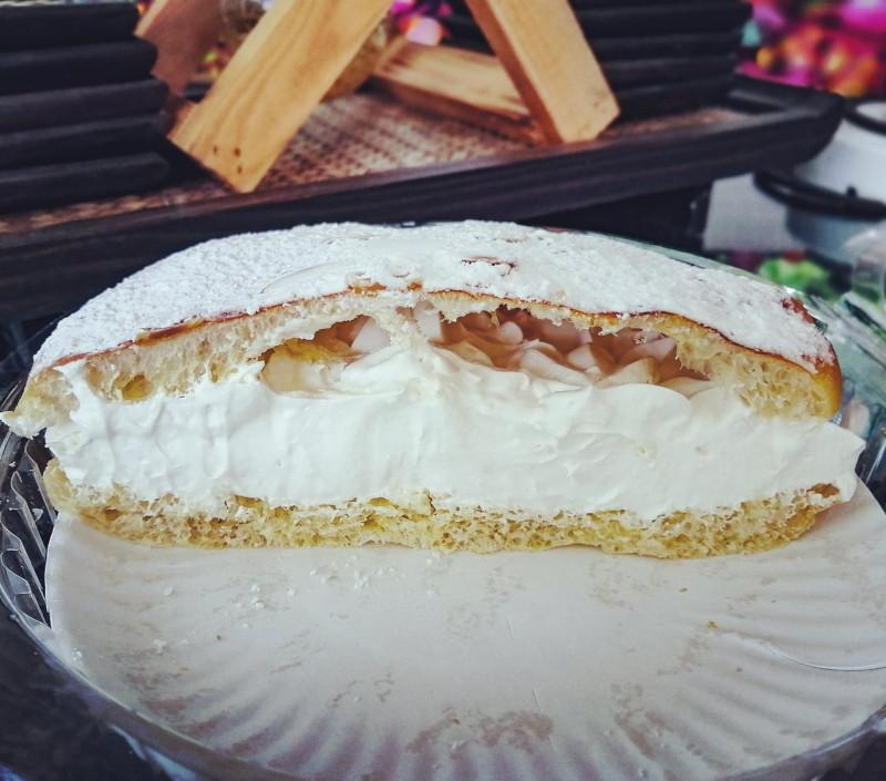 Tarte Tropézienne de la boulangerie pâtisserie de Samui, chez Seb, a Lamai.