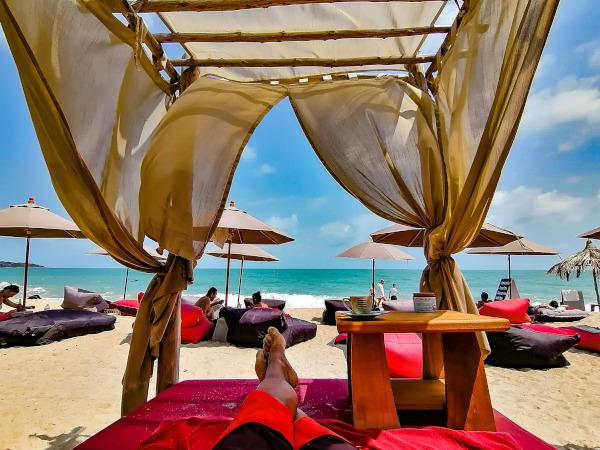 Bohemia Beach Lounge a Lamai Beach.