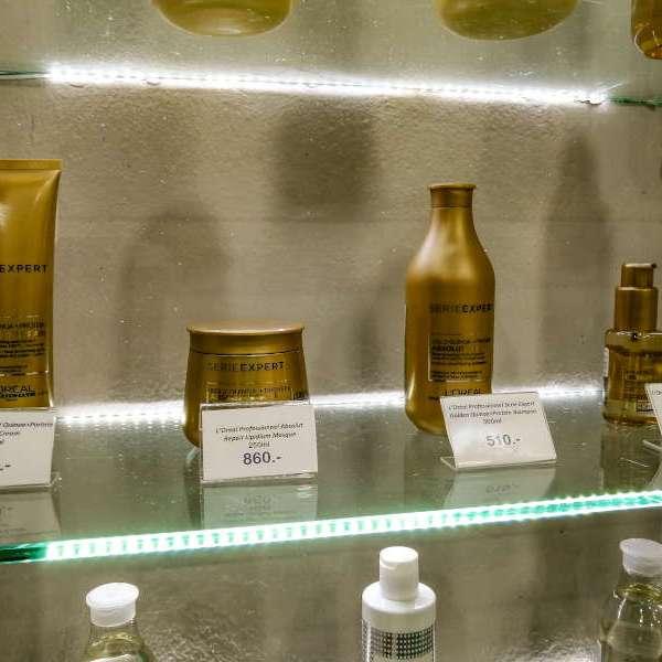 Vente de produits L'OREAL pour la peau et les cheveux , femmes et hommes chez Ooh La La Beauty & SPA Palace a Koh Samui