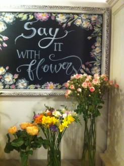 Charmante boutique girly Lara, say it with flowers, Kiraly utca-3