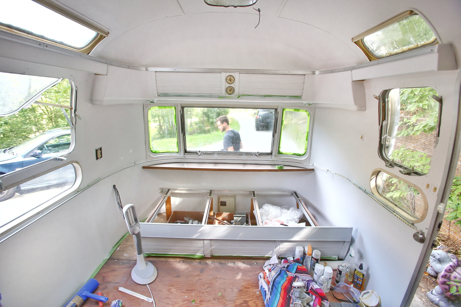 Painting The Interior Of A Vintage Airstream Mavis The