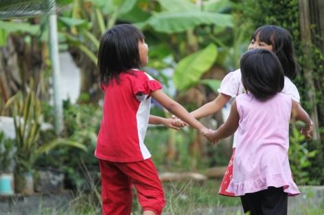 Children praise God!