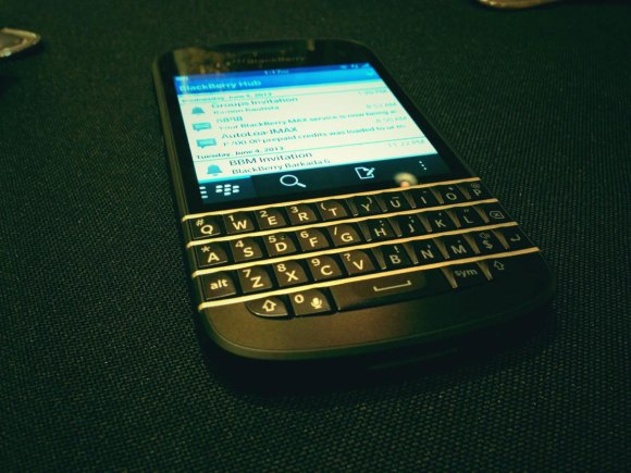 The experience of writing on the BlackBerry Q10's keypad is really good.