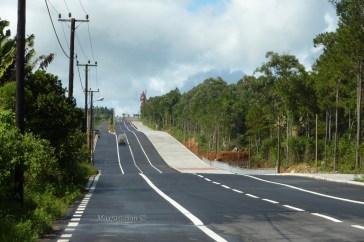 Road to Shiva Colossus - Mauritius