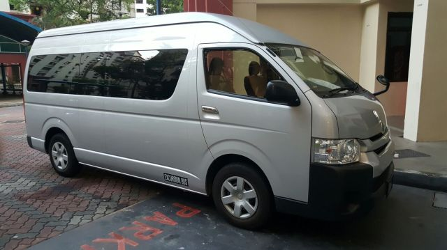 Singapore minibus 13 seater booking