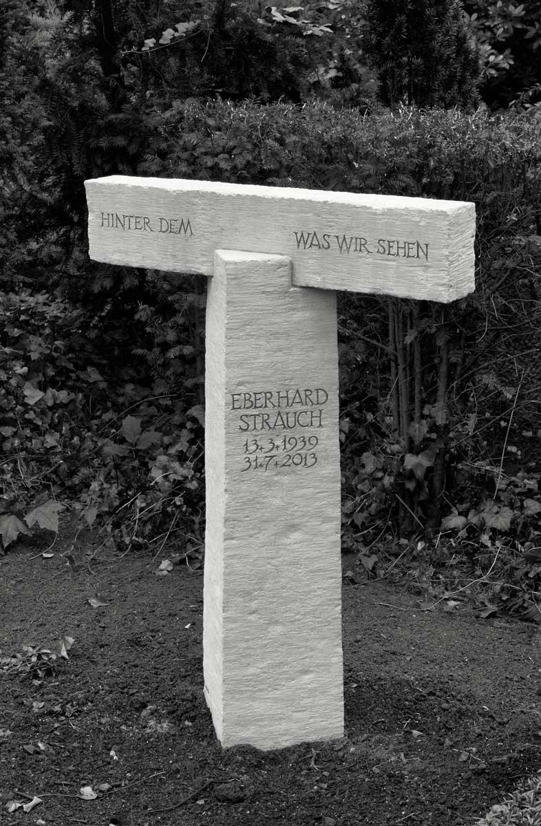Grabmal für Eberhard Strauch, Friedhof Berlin-Zehlendorf, entworfen und gestaltet von Maximilian Klinge