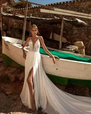 lace, tulle, crepe, satin, belt, plus size, Maxims wedding, gown, dress, wedding, A line, Mermaid, Boho, Princess, Ariamo, Madioni, jacquard, Tesoro