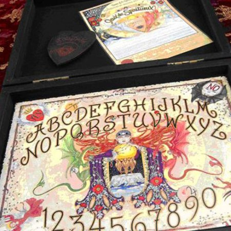 Jeux des Spiriteux Talking Witch Board: Art by Maxine Miller