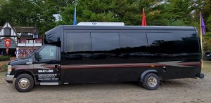 Party Bus - 18 to 24 passengers outside - Maxi Party Bus