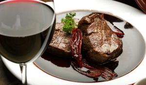The-Best-Red-Wine-Sauce-for-Steak