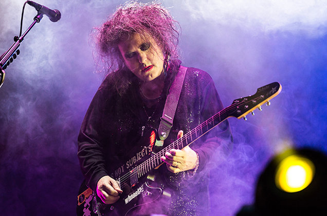 robert-smith-the-cure-performance-2014-billboard-650