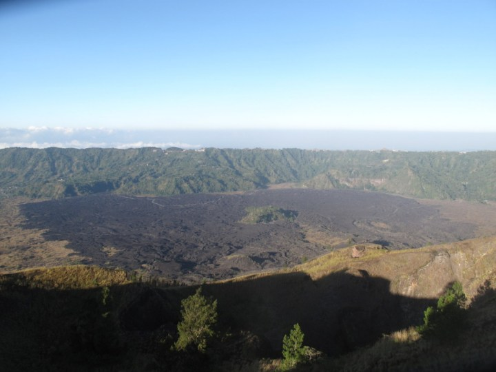 В 1963 году лава затопила часть поселения.