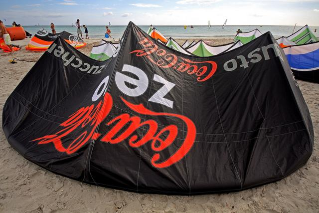Custom Branded Power Kites and Kitesurf Kites
