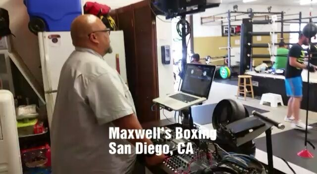 Beats & Boxing, 6pm Session... it was Thumpday Thursday!#boxing #sandiegoboxing #gyms #sdgyms #fitness #workout #music #djs #sddjs #sandiego #miramar #miramesa #pq #scrippsranch #rb #delmar #lajolla #maxwellsboxing #gratitude