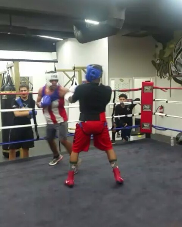 Tough work last night with our fighter Carlos Lopez and undefeated Trenell Norris Jr., of Bomber Squad. Building up  #boxing #sandiegoboxing #gyms #sdgyms #strength #fitness #sdfitness #sandiego #elcajon #miramar #miramesa #pq #rb #poway #lajolla #delmar #lajolla #maxwellsboxing #gratitude
