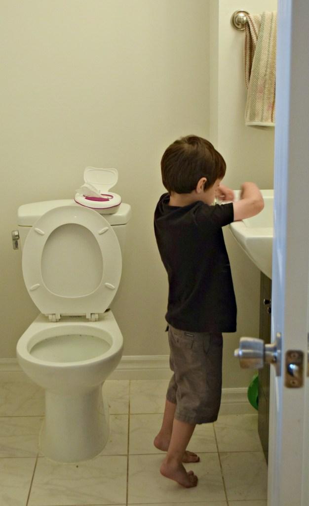 Kandoo wipes ryan washing hands