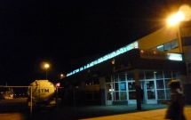 CaboVerde2013-N-07 Mindelo Gare maritime Armas Guichet