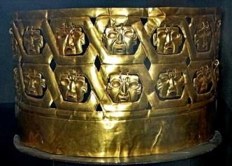 figura 29 Corona de las catorce caras