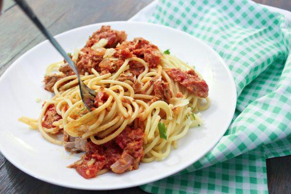 Pasta with Tuna and Tomato Cream Sauce