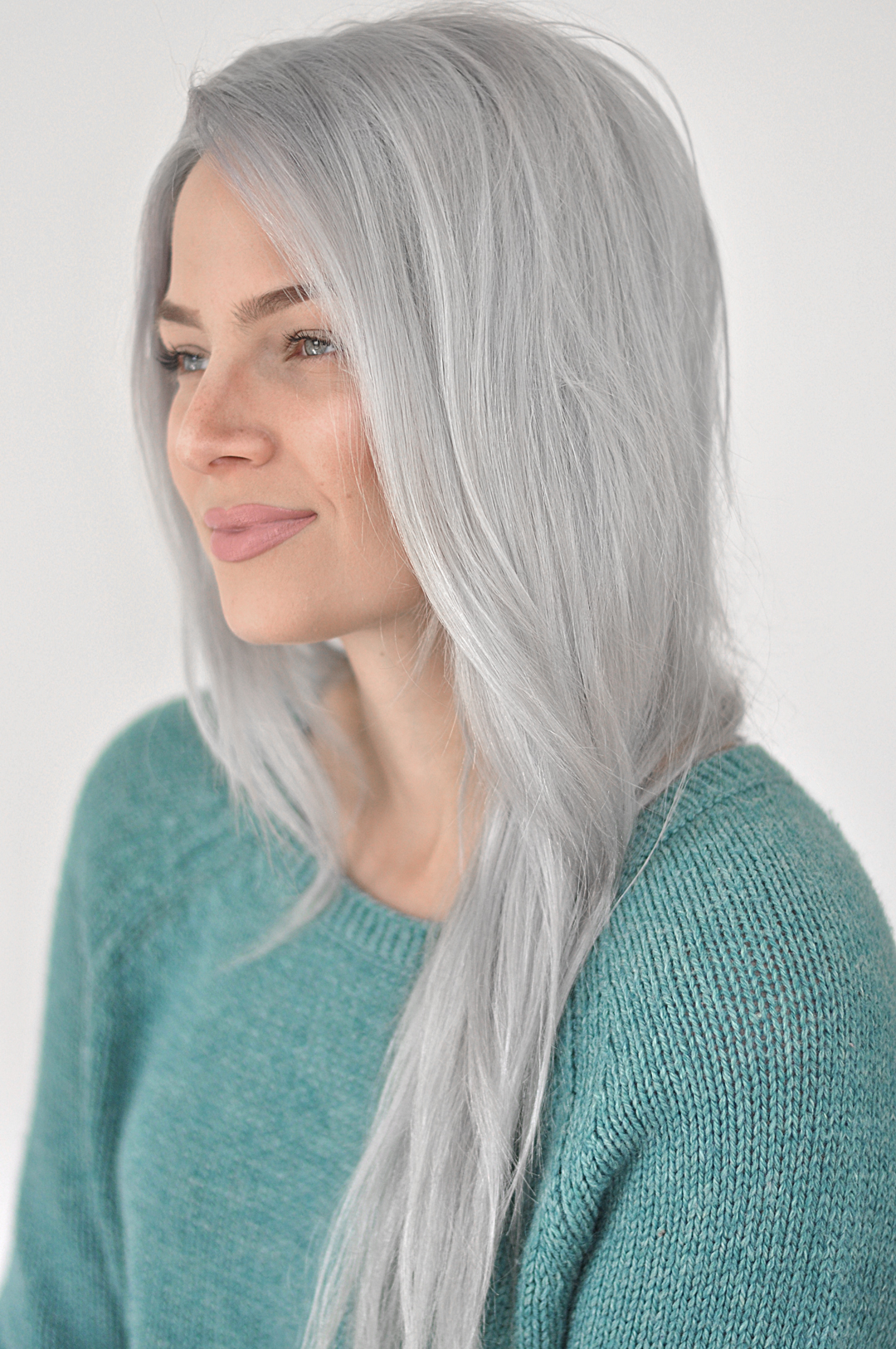 Want perfect silver hair but without all the upkeep? This review and tutorial will teach you exactly how to achieve that with oVertone pastel silver.