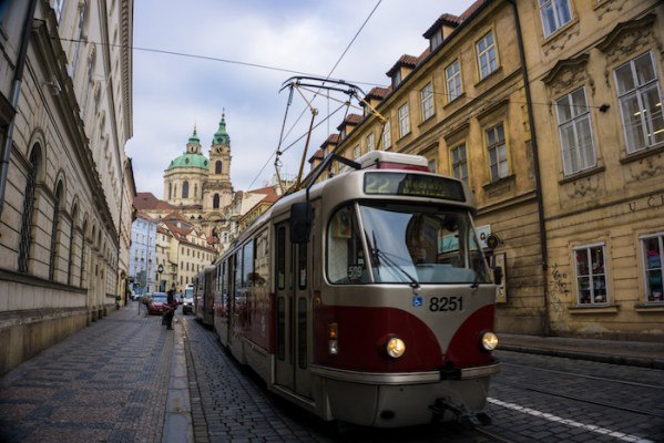 getting around prague