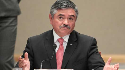 Leonardo Valdés Zurita en sesión del IFE. Debate en cadena nacional