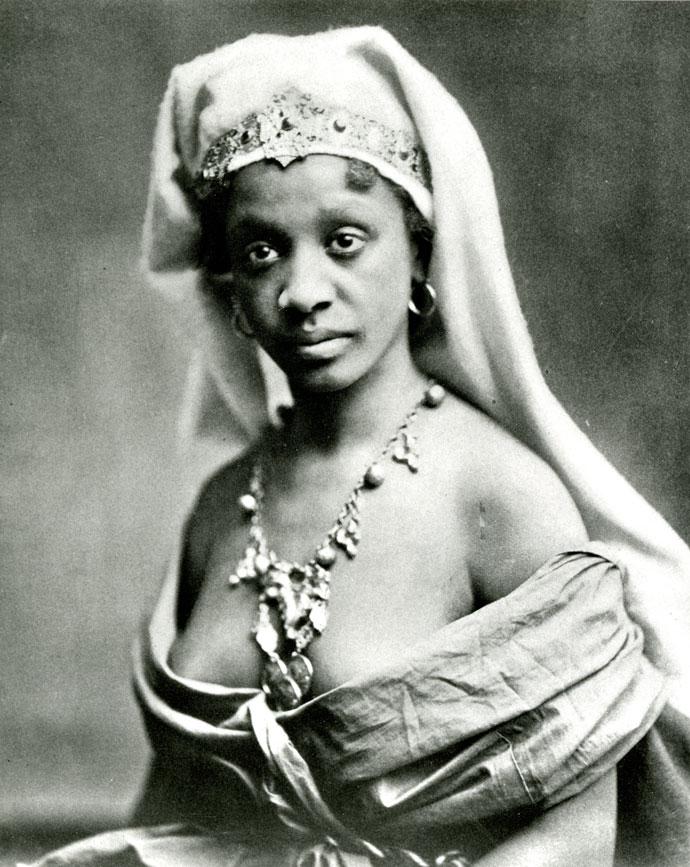 Edward Curtis, A Desert Queen