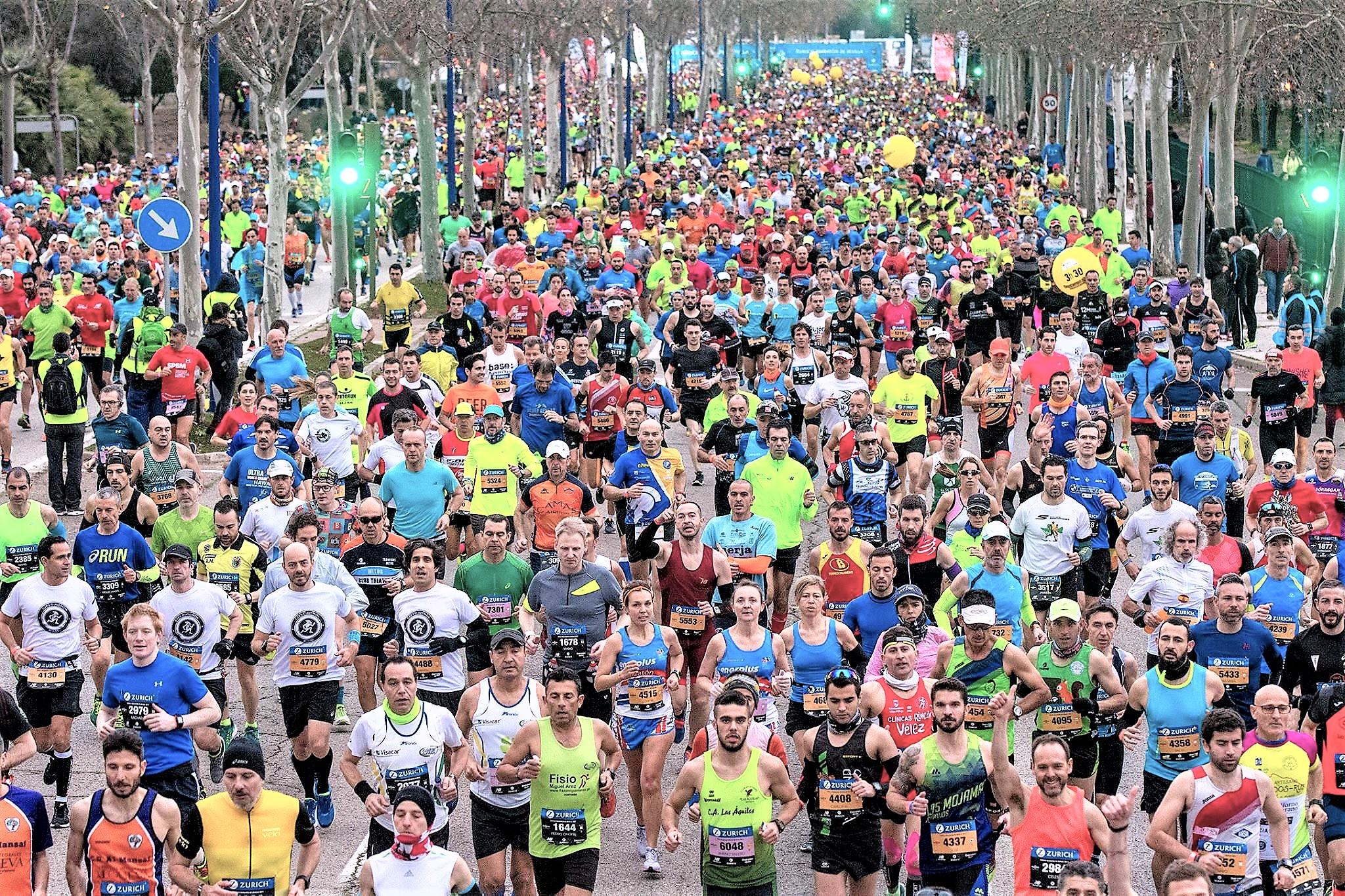 Maratón Sevilla 2.017: Paula Gonzalez Berodia firma el doblete y Erikus Titus bate record carrera. Meta 10.119 finalistas.