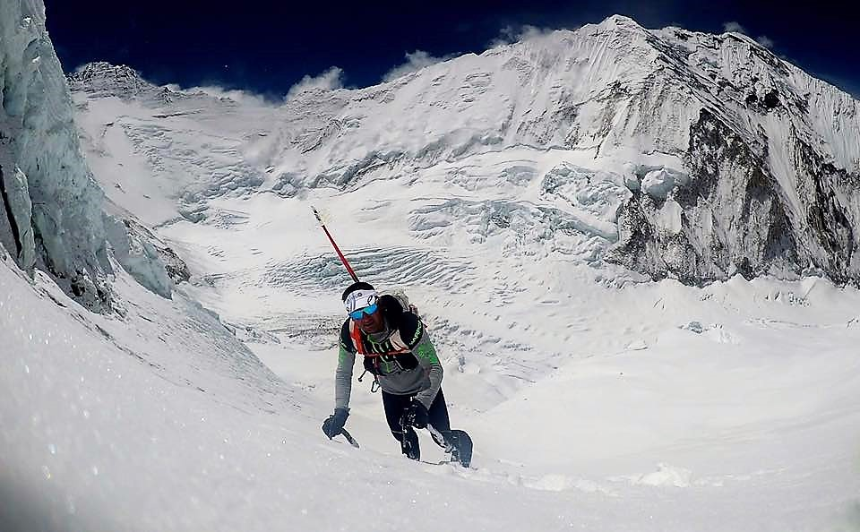 UELI STECK SUFRE ACCIDENTE MORTAL EN EVEREST. Aclimataba en la Arista Oeste, para la travesía Everest – Lhotse