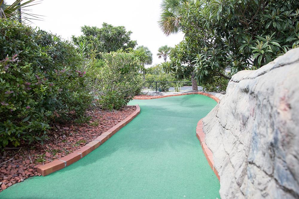 miniature golf course fun in sc