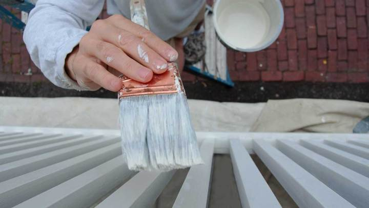 When Is the Best Time to Paint Outside?