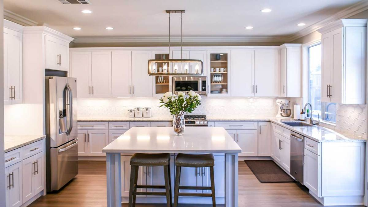 Painted vs. Stained Kitchen Cabinets: Which Is Right for You?