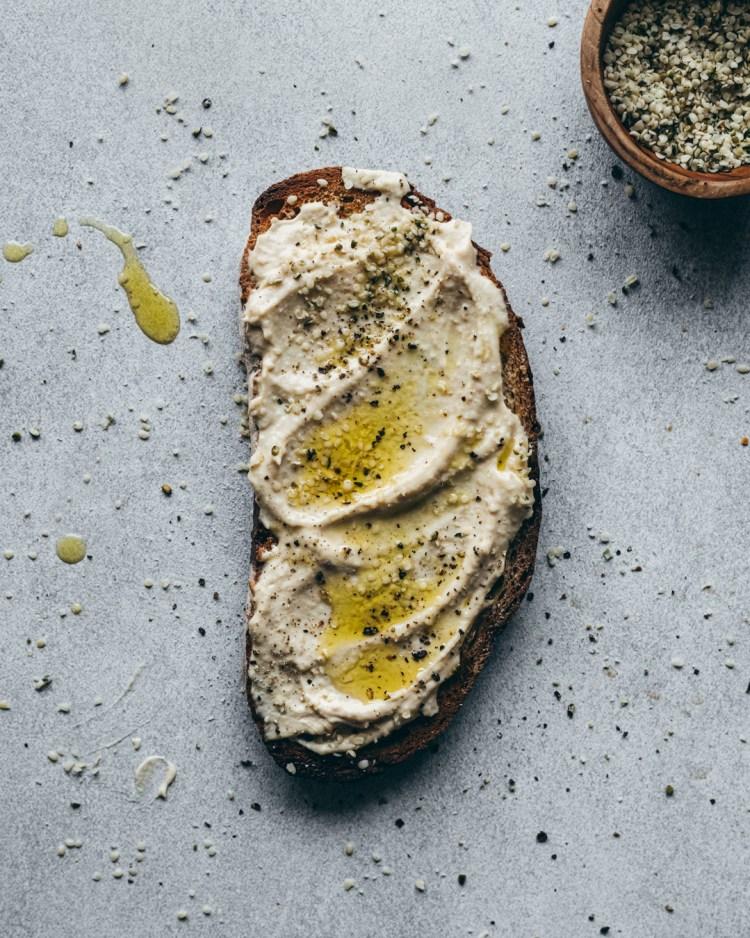 hummus on toast with olive oil
