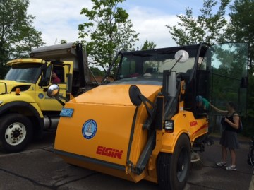Truck Day 2015 Sweeper Dump
