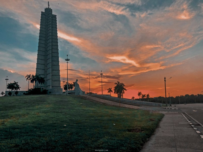 Memorial a José Martí al atardecer. Cuba, Habana