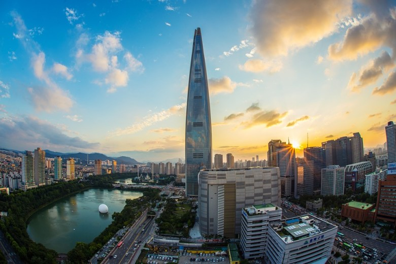 Best 9 Shopping Area in Seoul, lotte-world-tower