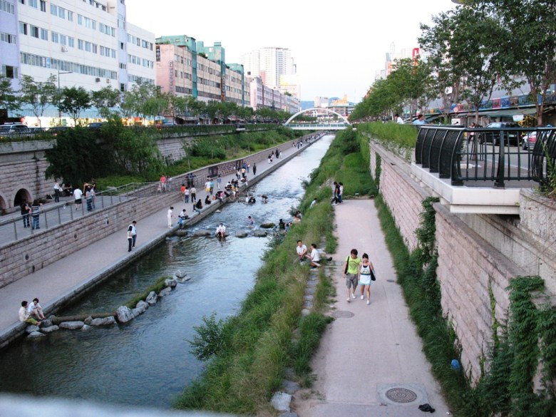Cheong Gye Cheon stream.