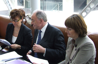 Harman campaigning with Livingstone and Nicky Gavron in the 2008 GLA election